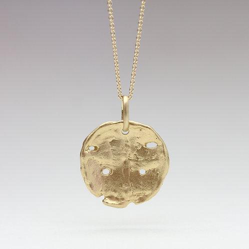Old world medallion pendant