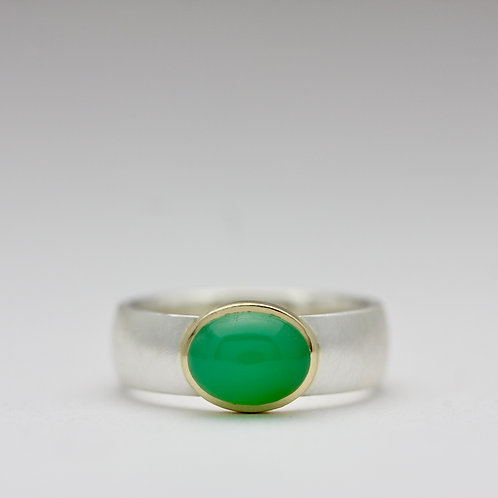 Genuine chrysoprase ring