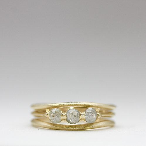 Rose cut 3 diamond ring