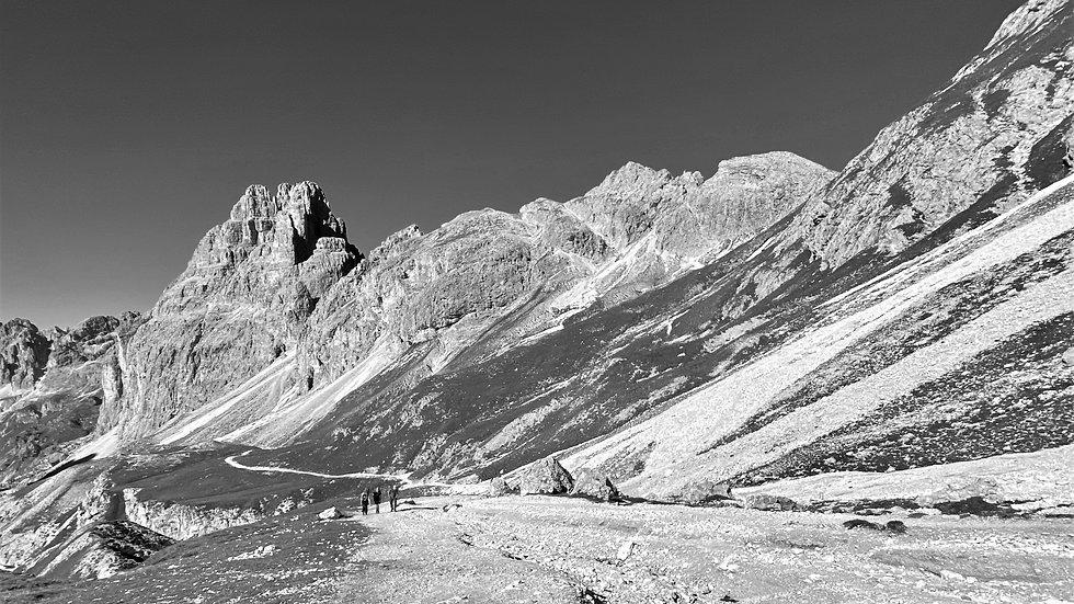 Dolomites2020_bw.jpg
