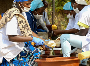 Ananas-Saft-Produktion.jpg