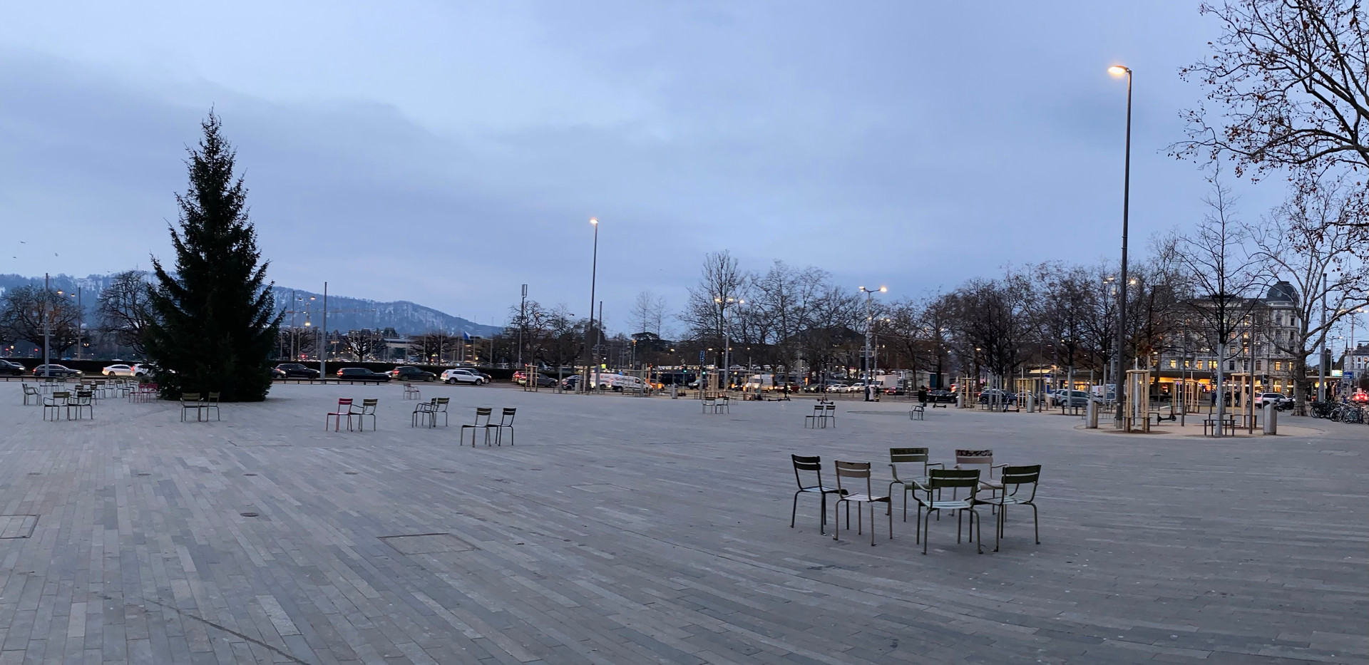 Sechseläutenplatz 2