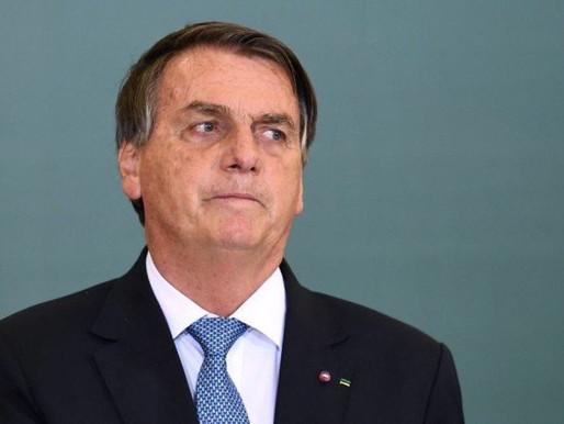 Cartão vermelho: Sem vacina da covid-19, Bolsonaro é barrado de entrar em jogo do Santos