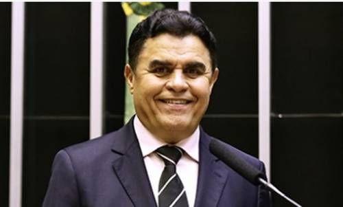 Parlamentar diz que não é hora para discutir mudança de Sistema de Governo no Brasil