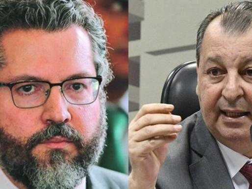 """Azis alerta Araújo para não mentir na CPI: """"o senhor se indispôs com a China"""""""