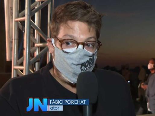 Foi sem querer?: 'JN' exibe 'sem querer querendo' máscara 'Fora Bolsonaro'