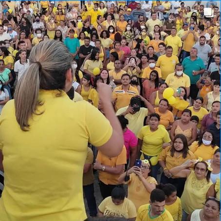 Prefeita mostra força, leva multidão as ruas e se consolida como maior liderança política do Conde