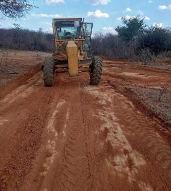 Prefeitura de Zabelê intensifica recuperação das estradas vicinais