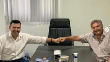Raniery Paulino apresenta a Dalton Gadelha demanda em defesa das pessoas com doenças raras e autismo