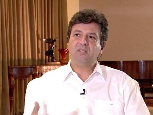Mandetta reage às declarações de Guedes sobre atraso na compra de vacinas: 'Mentiroso'