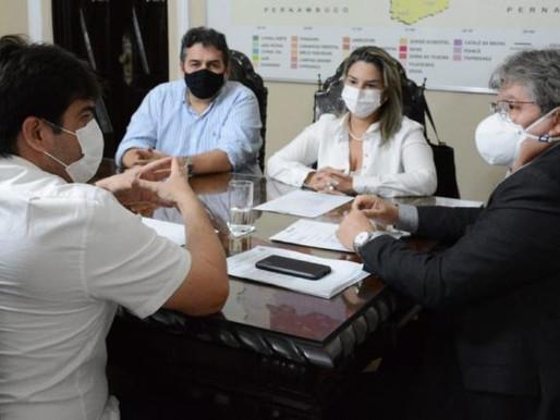Karla Pimentel agradece a João Azevêdo por recuperação da PB-008 no Conde