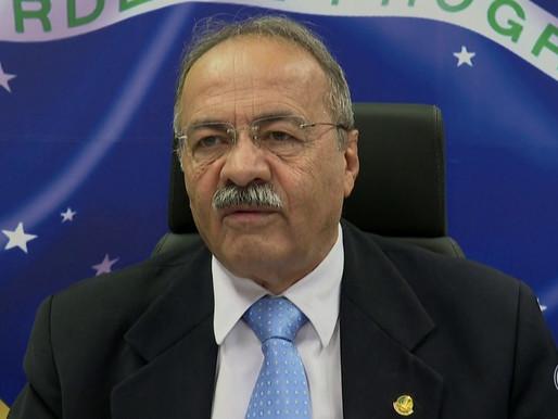 Flagrado com dinheiro na cueca, senador Chico Rodrigues volta ao mandato e envia carta a colegas