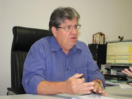 João Azevêdo anuncia habilitação gratuita para motoboys que trabalham com delivery