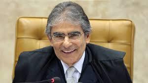 Ex-ministro do STF aponta pressupostos de crime de responsabilidade na condução da pandemia no País