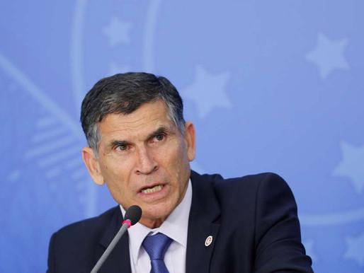 Bolsonaro avança na erosão das instituições, diz general