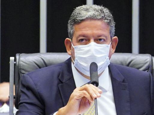 Arthur Lira já ameaça Bolsonaro: 'Remédios no Parlamento são todos amargos. Alguns, fatais'