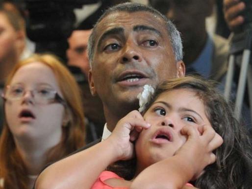 """Nas redes sociais: Senador chama Ministro da Educação de """"idiota"""""""