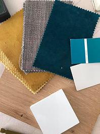 lea-morel-decoratrice-interieur-decoration-lens-arras-douai-bethune-tissus-bleu-ocre-echantillons