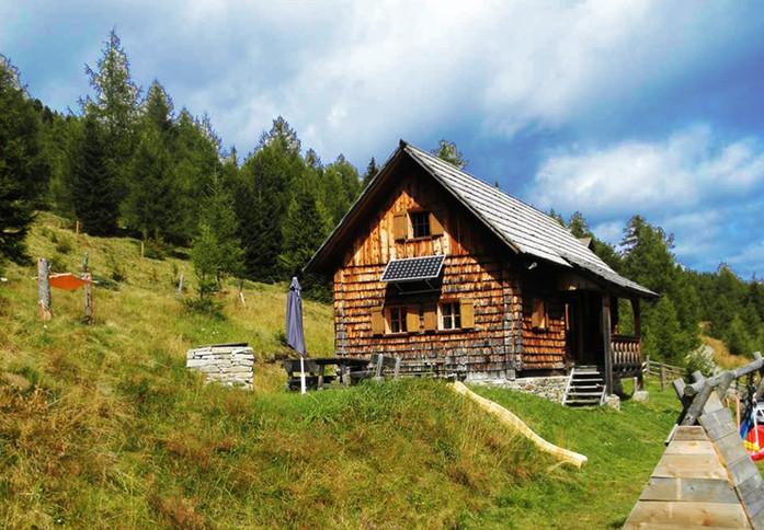 OLZBOTSCHAFTER HÜTT'N Almhütte Alphütte www.berghuette-mieten.