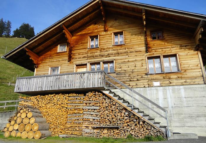 Sennhütte Bärgli www.berghuetten-mieten.