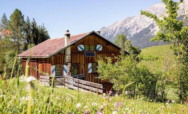 Maiensäss Selasch www.berghuetten-mieten