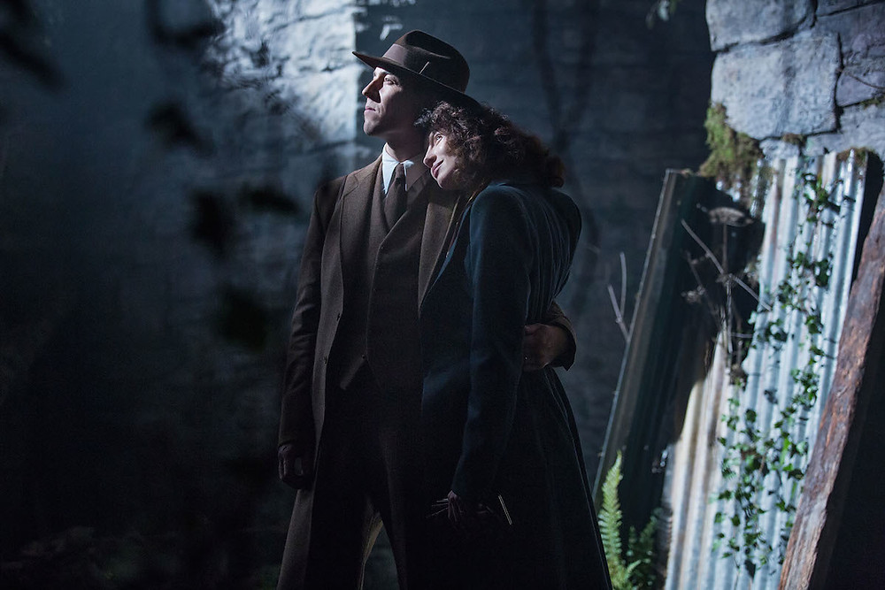 Outlander 1.01 - Sassenach - Claire & Frank 1.jpg
