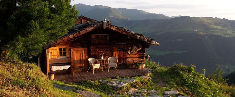 berghütte mieten schweiz maiensäss 1.jpg