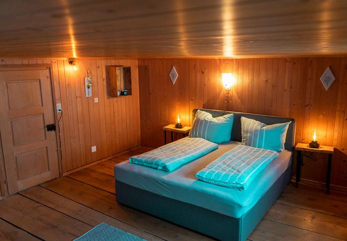 moserhuus schlafzimmer www.berghuetten-mieten.ch
