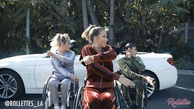 🚙T o p • O f f 🚙 Choreographer: @davidmooretv 🎥: @brazilinspires  Editor: @kalynelionheart  Song: Top off by @djkhaled @beyonce  Dancers: Chelsie Hill Samantha Nicole Lopez  Edna Serrano Help Us TAG: @djkhaled @beyonce  #RollettesDance #Dance #BeBoun