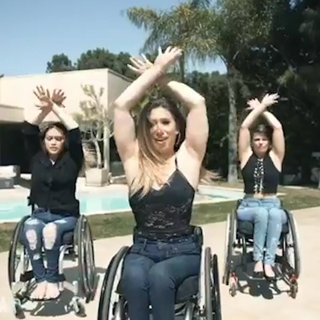 Vocativ: The 'Rollettes' Spin Circles around Stereotypes