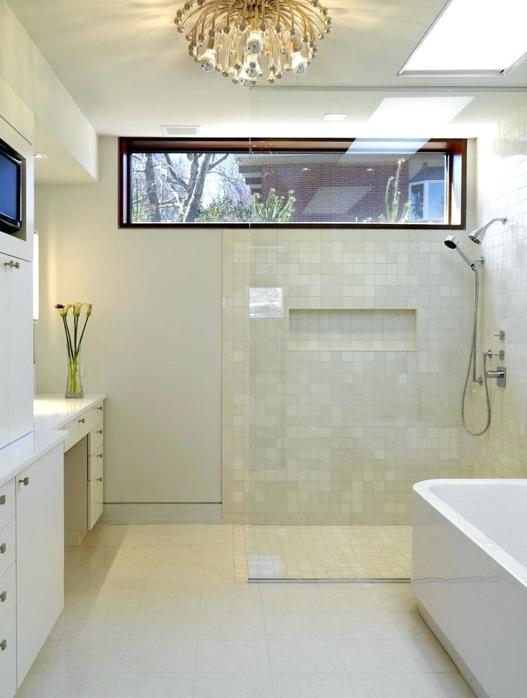 Awning window over the shower (2).jpg