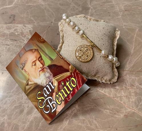 Brazalete de perlas en agua dulce chapado en oro con oracion