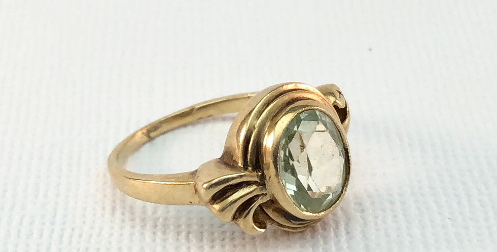 Vintage Green Stone Ring
