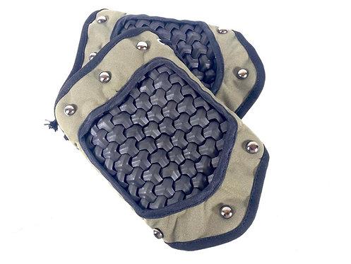 FCW Samurai  Style Armor Bracer Set (BK Steel Armor Scales With R Green Pad