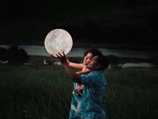 Láska vedie cez Mesiac ~