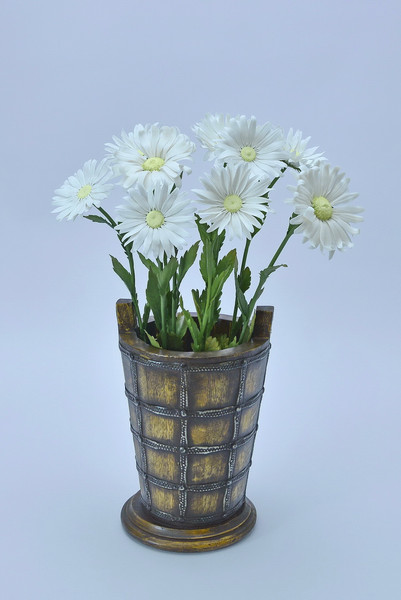 Cersmic daisy, porcelain flowers