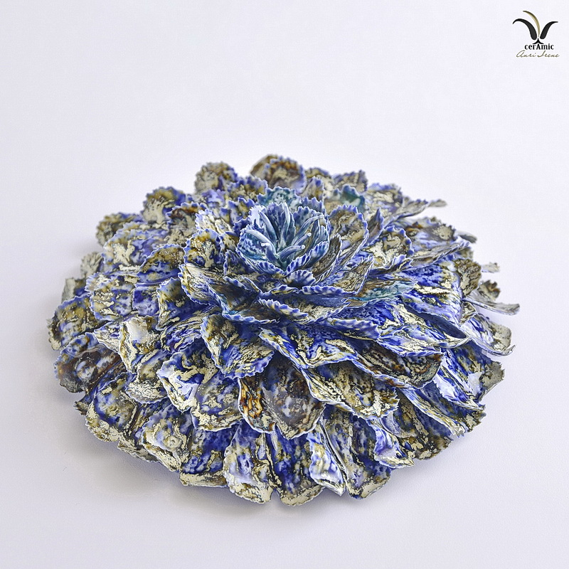 Porcelain sea coral flower