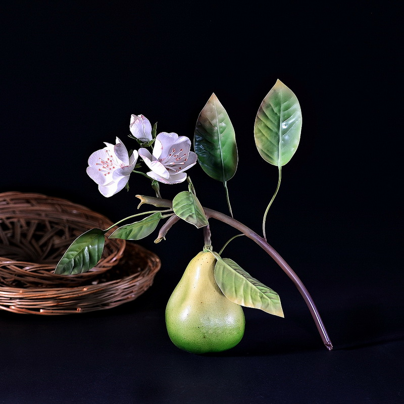 Porcelain pear