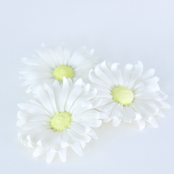 Porcelain daisy ceramic flowers