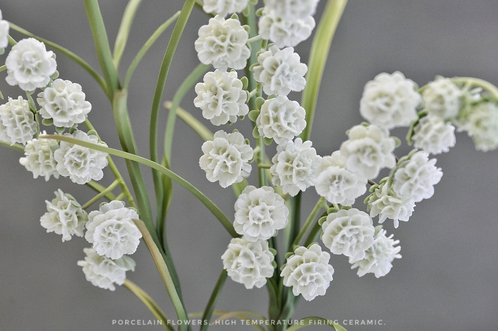Lily of the Valley of porcelain