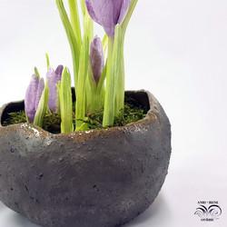 Ceramic leaf crocus