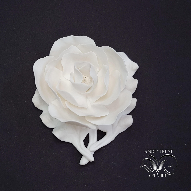 White porcelain magnolia