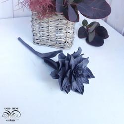 Porcelain chrysanthemum flower