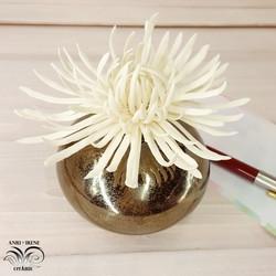Ceramic golden daisy