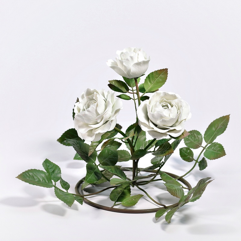Porcelain roses , circular