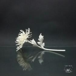 White golden daisy ceramic
