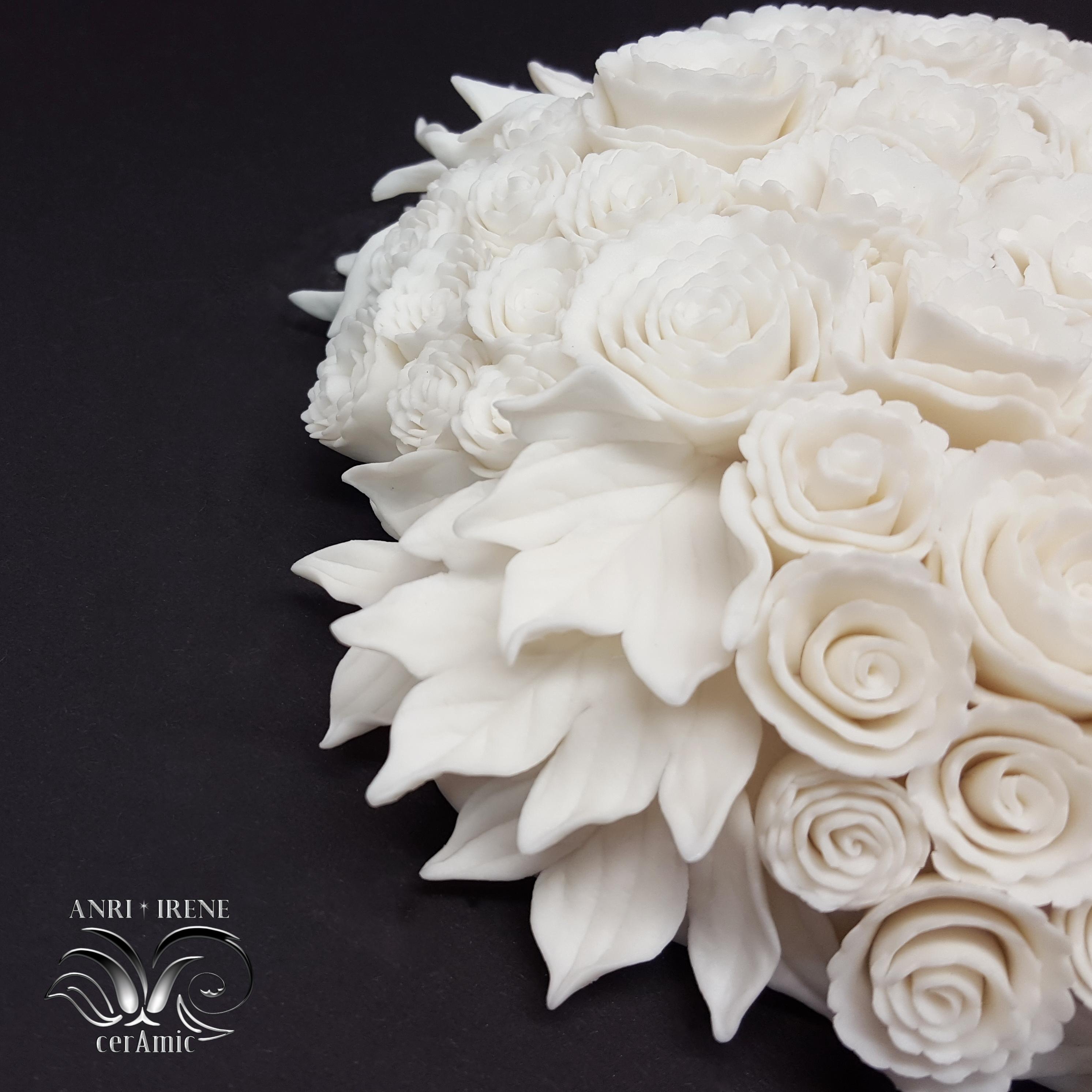 Porcelain floral decor