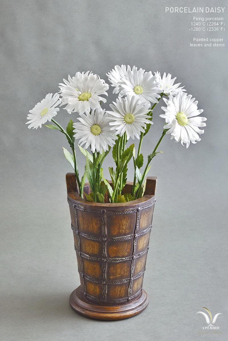 Porcelain daisy ceramic flowers