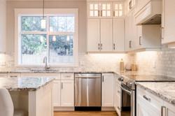 1085 Symons Cres - Kitchen