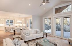 1085 Symons Cres - Living Room
